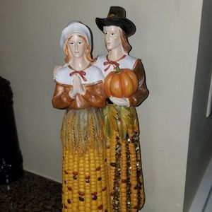 Fall Pilgrim corn statue